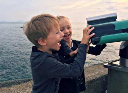 Jak wychować radosne dzieci?