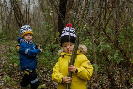 Jak ubrać dziecko na dwór? Ubrania dla dzieci na jesień i zimę.